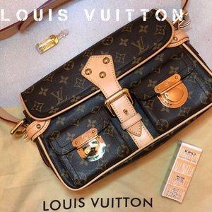 New Authentic LOUIS VUITTON Monogram Hudson Purse